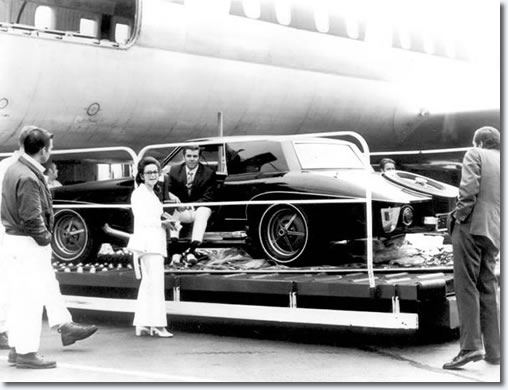 The Stutz Blackhawk prototype, that was sold to Elvis Presley, at the Airport